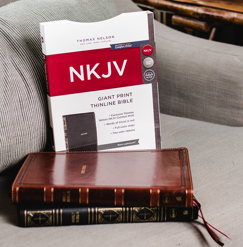 NKJV Thinline Bible Giant Print