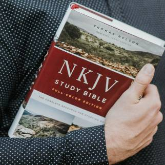 NKJV Study Bible Full Color