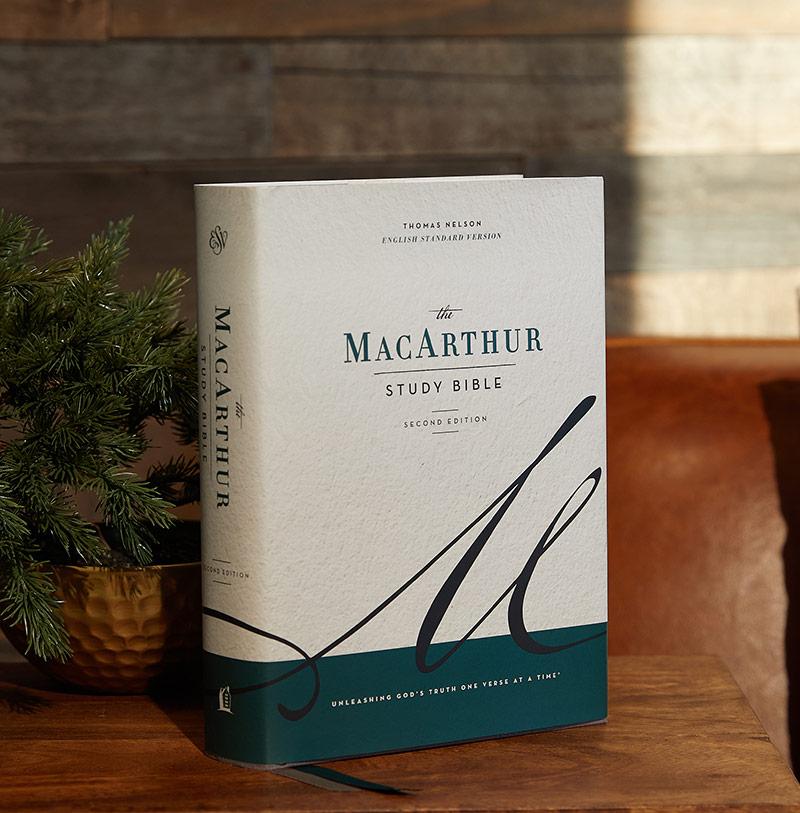 MacArthur Study Bible ESV