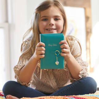 NKJV Simply Charming Bible photo